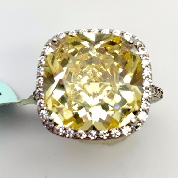 10 Ct Yellow Diamond CZ 925 Silver Engagement Ring NWT